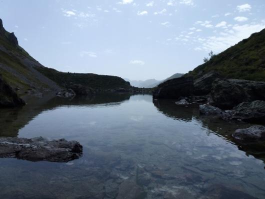 sablier de ciel et d'eau au lac d'Antarrouyes