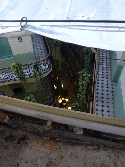 patio de l'hôtel Peninsular (cliquer pour autre vue)