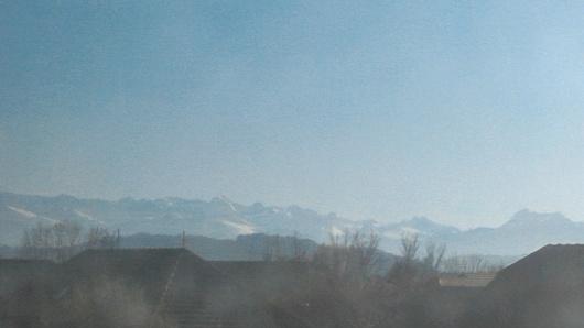 les Pyrénées vues du train près de Pau